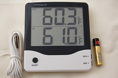 BT1 Digital Indoor/Outdoor/Wine Cooler/Fish Tank Thermometer Large Display  Wall Mount